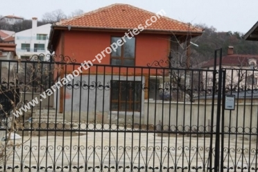 "House in ""Manastirski rid"" area 800 meters from Varna – Golden sands main road"