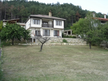 Fully furnished villa 5 km away from center of Varna city