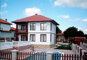 Furnished sea view house with pool not far from Albena resort