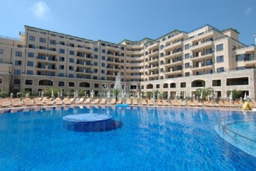 Zlatna Kotva apartments is a modern luxury complex, located just on the beach strip in the heart of Golden Sands Resort