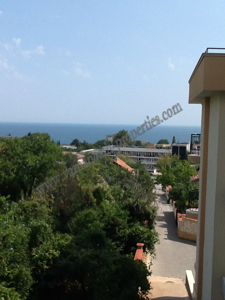 Apartment with sea view in Alen Mak Varna