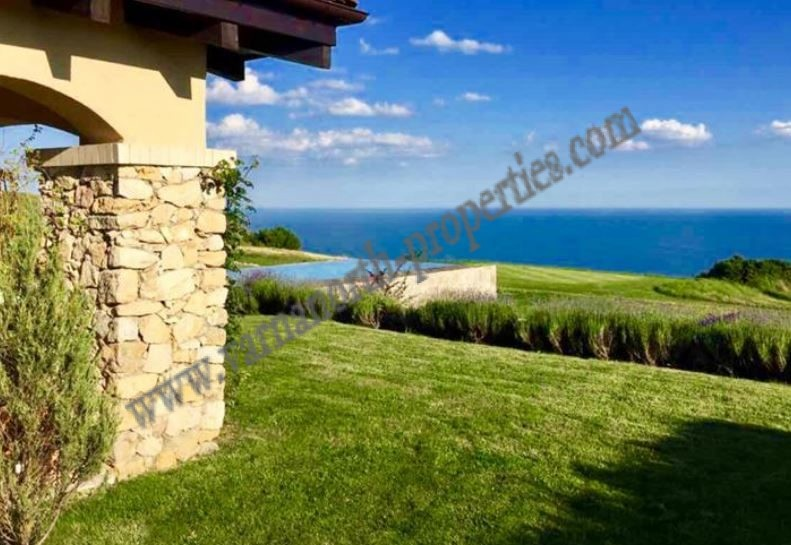 House with sea view in golf course