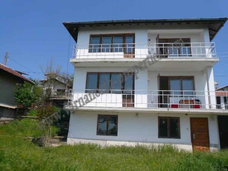 Bulgarian property with sea view in the villa zone of Balchik