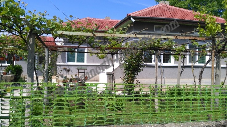 House with new roof near Balchik and Kavarna