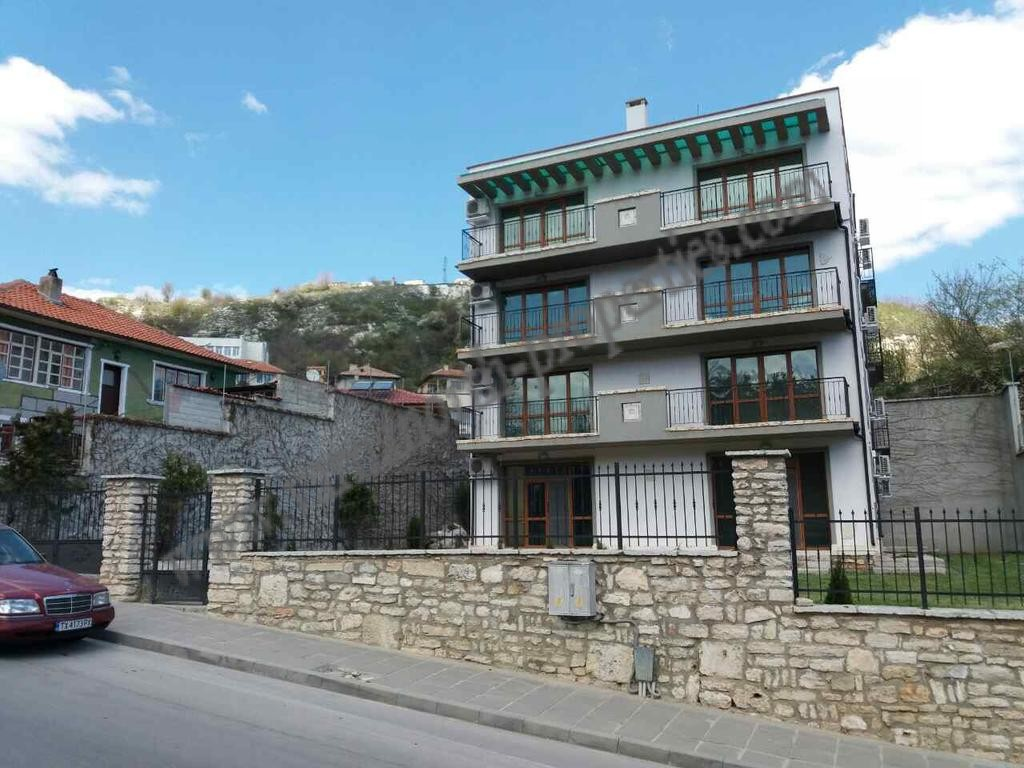 Building for sale in Balchik