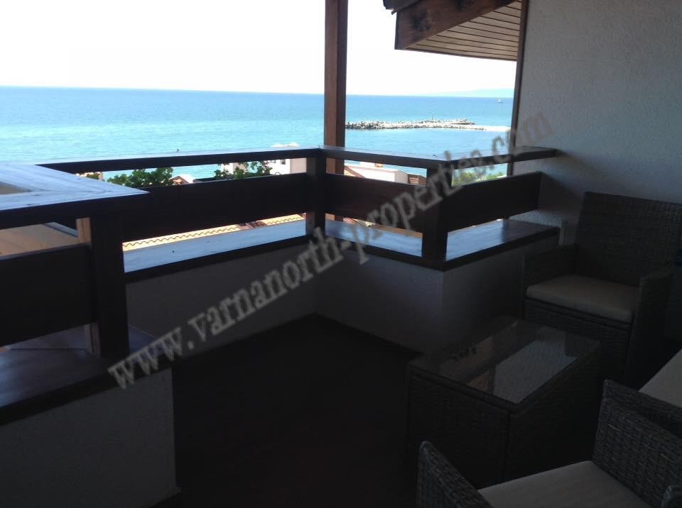 Sea front apartment in White Lagoon