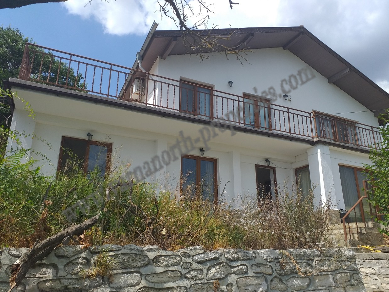 4 bedroom house with a sea view in the city of Balchik