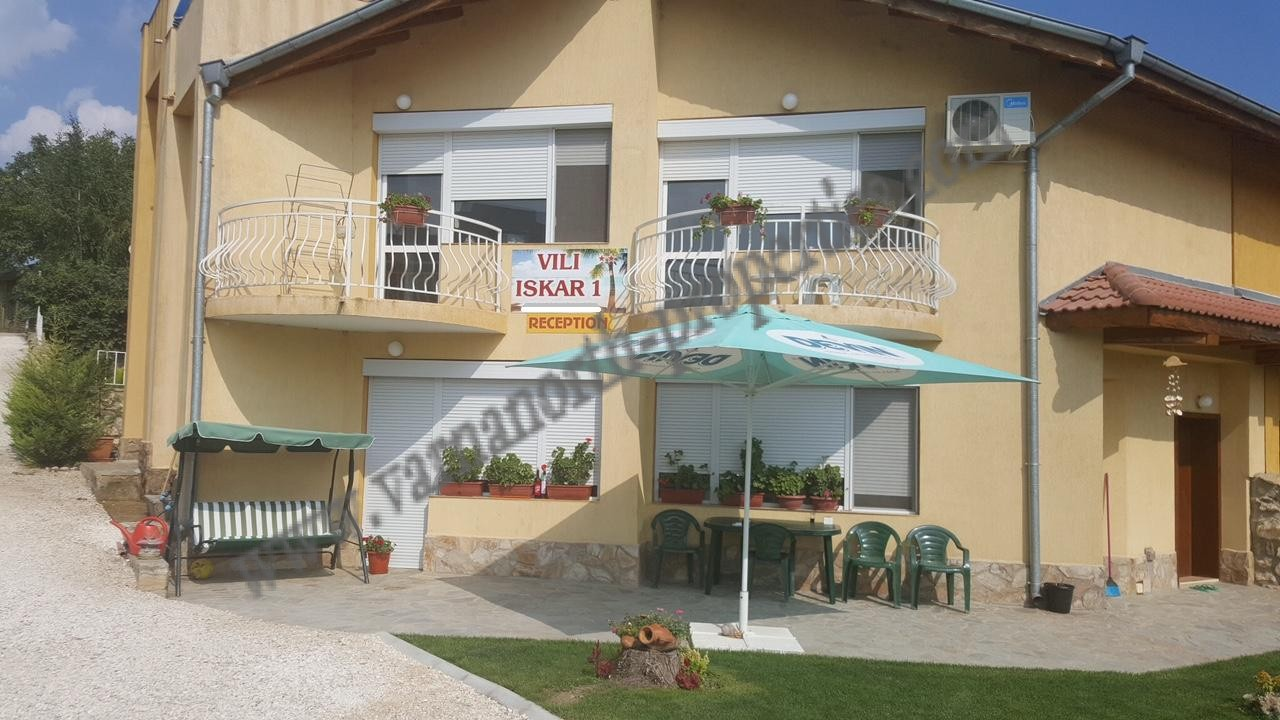 Guest house for permanent living varna north properties for Houses for sale with guest house on property