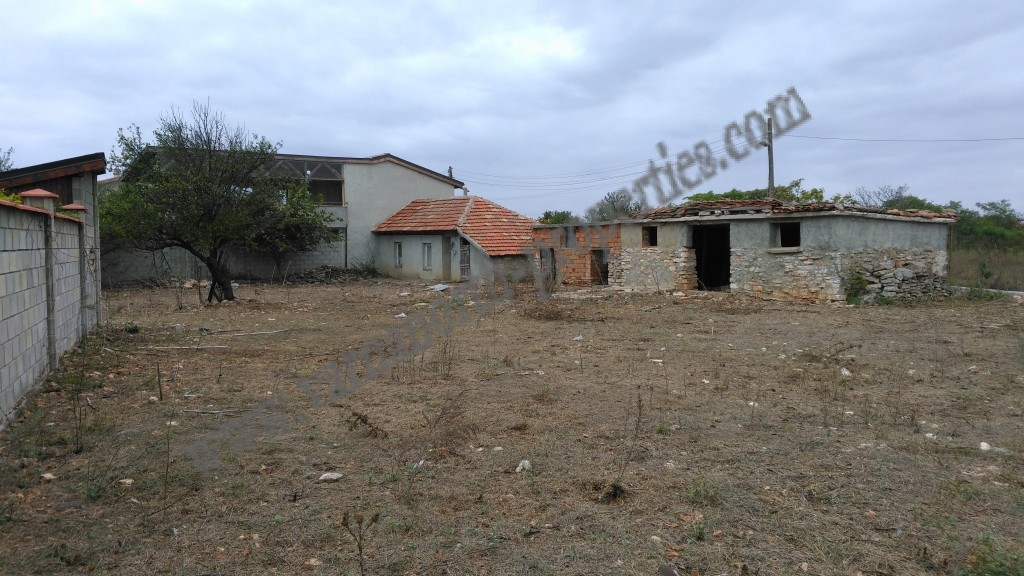 Land with a small house for sale varna north properties - Houses for small plots of land ...